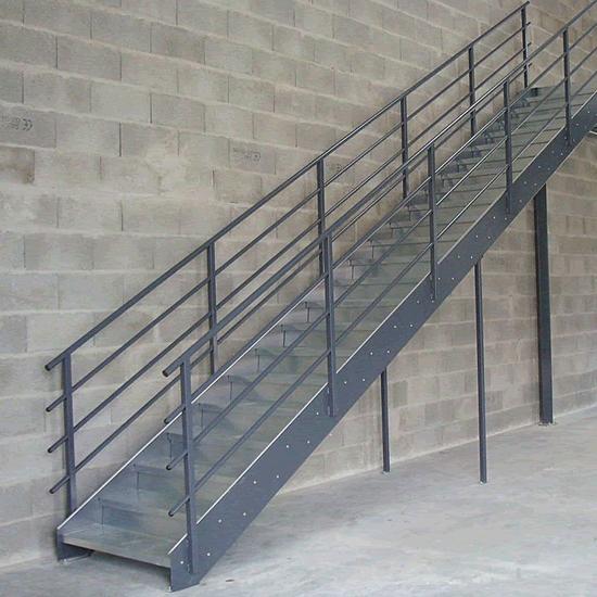 Escalera metalica 01
